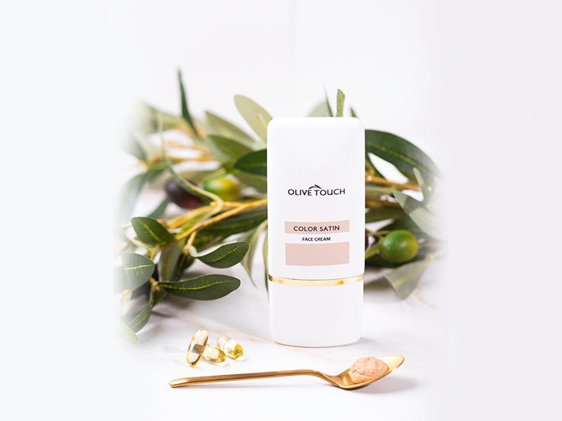 Κρέμα Προσώπου με Χρώμα και Βιταμίνη Ε, Color Satin Olive Touch