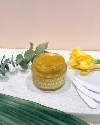 Μάσκα προσώπου λάμψης και θρέψης με κουρκουμά και βιολογικό μέλι. Εμπλουτισμένη με έλαια – αντιγηραντική, συσφικτική που αναπλάθει τους ιστούς της επιδερμίδας, προσφέρει ενυδάτωση στην ξηρή και ευαίσθητη επιδερμίδα. Face Glow Mask Turmeric – Harmony Muse